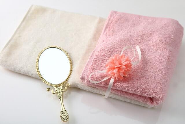 手鏡とタオル